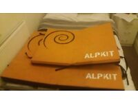 2x Climbing Crash Pads for sale, together or singly