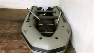 2000 Zodiac 12ft Hunt and Fish -