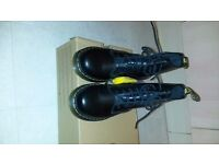 NEW Dr Martens, Size 6 Black - never worn