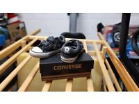 Converse shoes size 5 in box