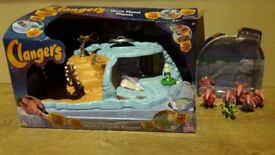 Clangers Home Planet Play set with set of 5 figures and soup dragon included