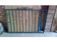 Set of 2 iron gates