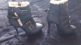 Women's heels size 5
