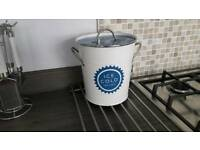 Vintage contemporary ice bucket cooler champagne holder