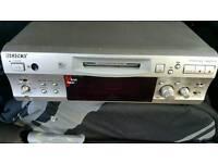 Mini Disc Player/Recorder