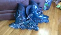 ROLLER BLADES SIZE 8 OR 9 GOOD CONDITION