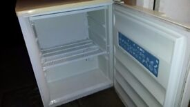LEC Small Freezer