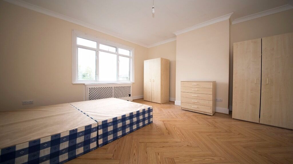 LARGE DOUBLE ROOM INC ALL BILLS! HOLLOWAY, FINSBURY PARK, ZONE 2, ISLINGTON, NORTH LONDON, FURNISHED