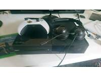 Xbox one with turtle beach headset, white control, 5 games