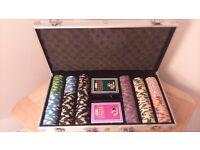 300 milano clay poker chips including suitcase and cards