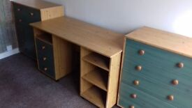 3 DESKS AND 2 SETS OF MATCHING DRAWERS