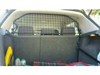 Dog guard for VW Golf Mk 5