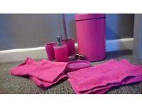 pink / fuchsia toilet set
