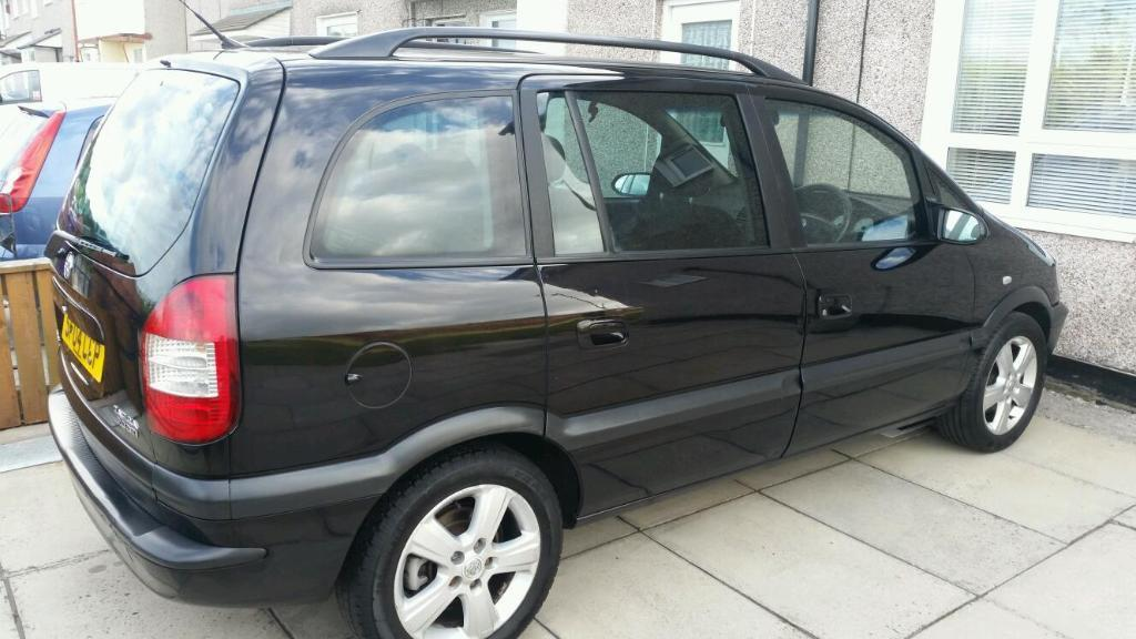 4x4 7 seater cars for sale new and used cars gumtree autos post. Black Bedroom Furniture Sets. Home Design Ideas