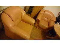 2x armchairs free to collect