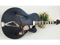 Gretsch G100CE Synchromatic Cutaway in black