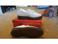 Size 6 White Brogue style Dr Martens