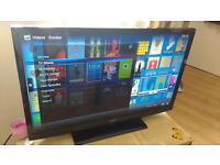 "TV (Bush 32"" HD 2xHDMI 1xUSB) + table"