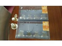 9 plastic gold glitter jewel like table name card holders & 2 matching wine stoppers