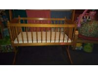 Swinging crib, cot with extras. 35ono