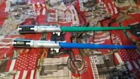 2 Star wars extendable lightsaber green/blue