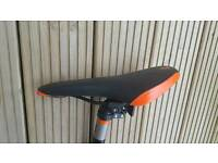 Boardman bike saddle/seat and seat post