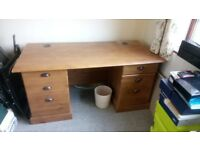 Office desk, 59.5L x 30W x28.5H Ideal for office, storage included, not to large for office use