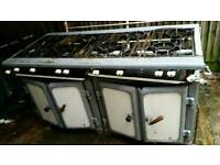 Commercial gas cooker with 6 burners fully working