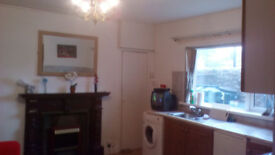 Small 1 Bedroom Self Contained Flat Central Warrenpoint £90 per Week - No DHSS