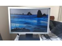 """22"""" Wide Screen BenQ Monitor, Excellent condition looks like new, comes with Power & Video cables"""