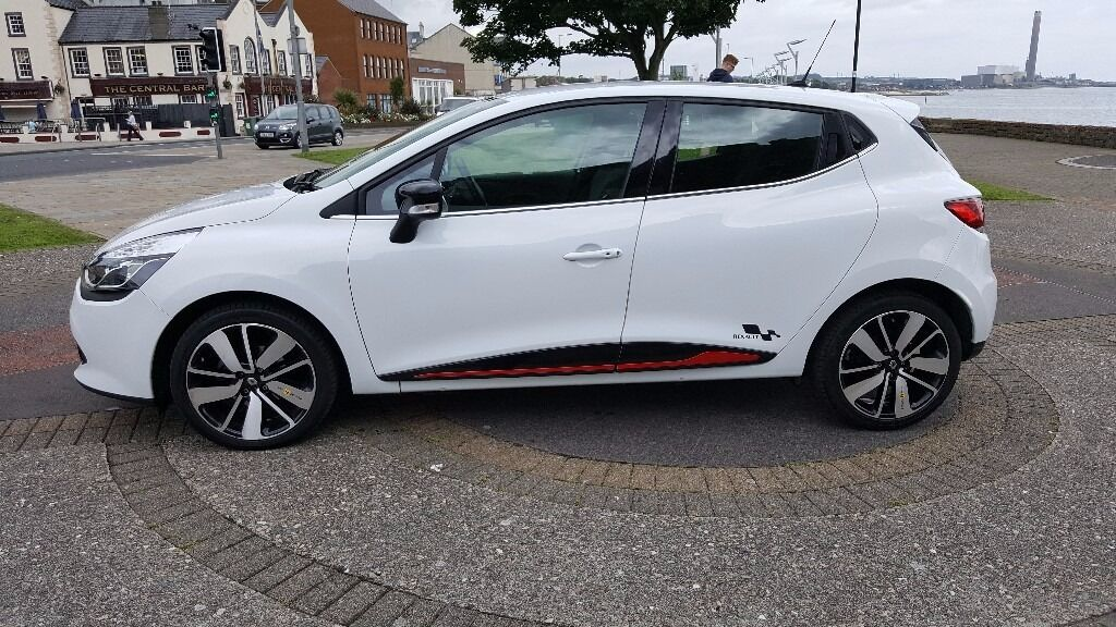2014 renault clio dynamiqe s sat nav s s white or swap 20 for tax full year in. Black Bedroom Furniture Sets. Home Design Ideas