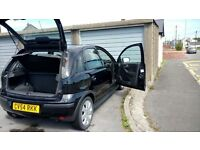 black corsa sxi 1.4 twinport. head gasket has gone, the rest of car in good condition spares repair