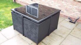 Cube Rattan Set