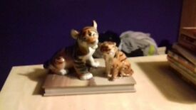 2 tiger ornaments in excellent condition