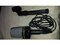 1.5 v Professional condenser microphone and stand