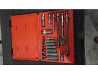 snap on service set 3/8 drive socket set in storage case