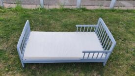 Toddler bed with mattress - can deliver
