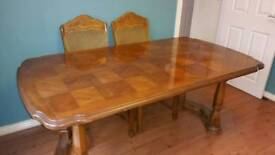Large traditional dinning table 6 chairs