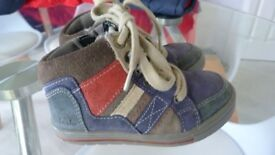 Clarks Hightop Shoes Size 7G