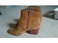 Womens Brown Ankle Boots Size 4.5