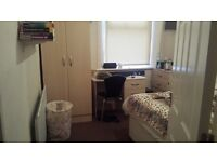 DOUBLE ROOM IN A FLAT SHARE