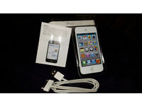 Apple 8GB 4th Generation iPod Touch white as a new