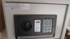 Digital Home Protector Electronic Safe with Instructions 35 x 25 x 25 cm