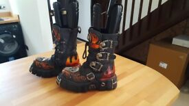 Unisex New Rock Boots size 40/7