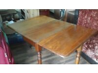 Vintage, drop leaf table, good condition, grear restoration project