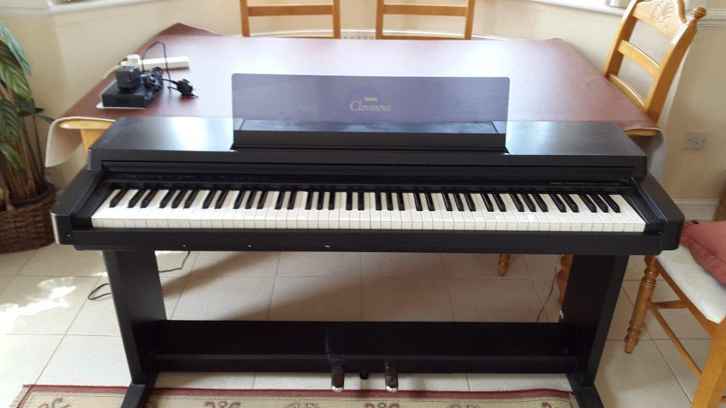 yamaha clp550 digital piano for sale in burton dorset gumtree. Black Bedroom Furniture Sets. Home Design Ideas