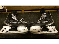 Bauer tuik ice skates in very good condition size 5 can deliver or Post!