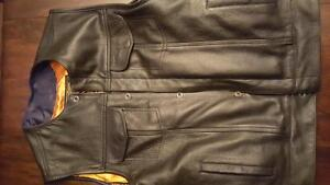 Like new motorbike jacket Cornwall Ontario image 3
