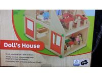 New wooden Doll's House 3-8years