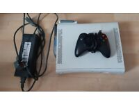 Xbox 360 with Wired Controller, 250GB HDD and Wireless Adapter (NO HDM